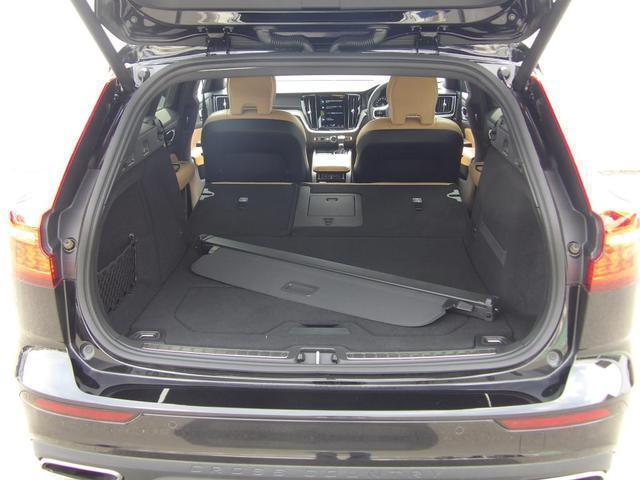 クロスカントリー T5 AWD プロ 本革シート ベンチレーション・マッサージ機能付き ヘッドアップディスプレイ 360度バックカメラ 安全装置標準装備(19枚目)