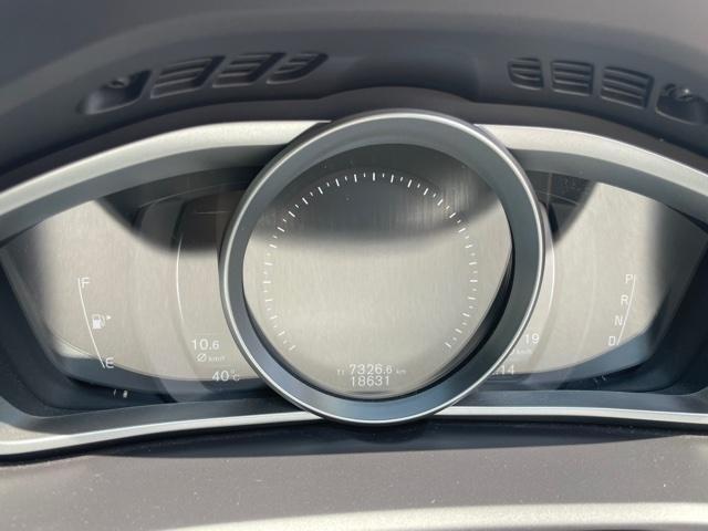 D4 モメンタム クリーンディーゼル車 先進安全装置 フルオートブレーキ アダプティブクルーズコントロール フルオートハイビーム BLIS側方検知機能 ナビ バックカメラ ETC(14枚目)