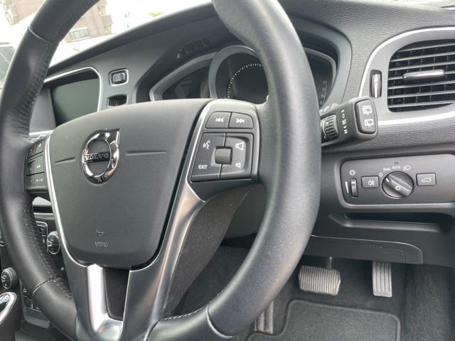 D4 モメンタム クリーンディーゼル車 先進安全装置 フルオートブレーキ アダプティブクルーズコントロール フルオートハイビーム BLIS側方検知機能 ナビ バックカメラ ETC(16枚目)