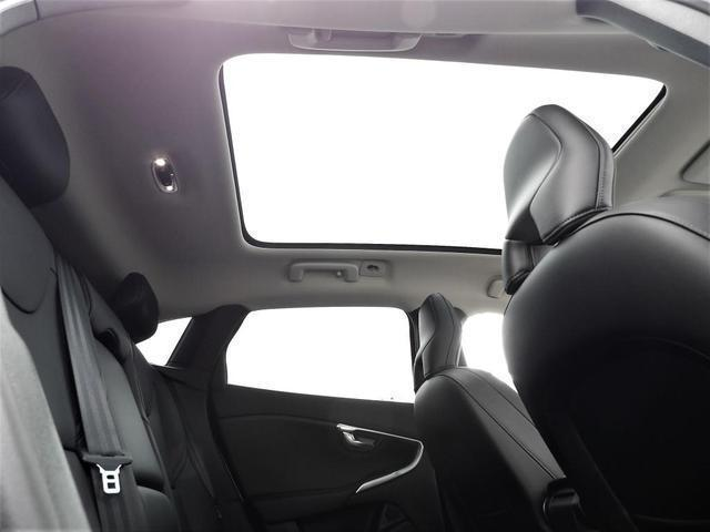 D4 インスクリプション クリーンディーゼル車 本革シート プレミアムオーディオ 先進安全装置 フルオートブレーキ アダプティブクルーズコントロール フルオートヘッドライト レーンキープ シートヒーター ナビ バックカメラ(23枚目)