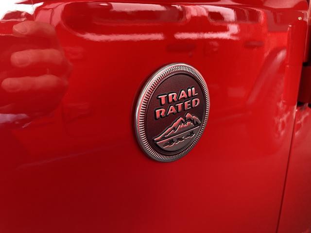 スポーツ 認定中古車保証1年付 4WD フリーダムトップ ファブリックシート 純正7インチメモリーナビ サイドカメラ バックカメラ 背面タイヤ 純正18インチアルミホイール クルーズコンロトール ETC(34枚目)