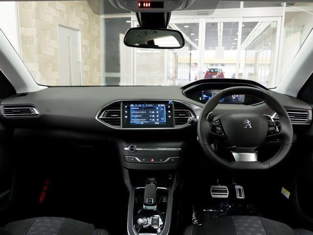 SW ロードトリップ ブルーHDi 8AT パノラミックガラスルーフ 特別仕様車(専用シート・バッジ・タグ・パークアシスト)(2枚目)