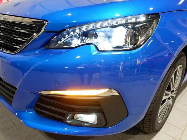 SW ロードトリップ ブルーHDi 8AT パノラミックガラスルーフ 特別仕様車(専用シート・バッジ・タグ・パークアシスト)(4枚目)