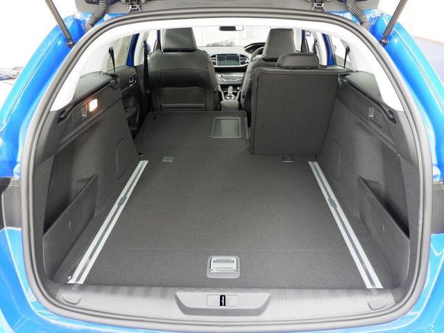SW ロードトリップ ブルーHDi 8AT パノラミックガラスルーフ 特別仕様車(専用シート・バッジ・タグ・パークアシスト)(40枚目)