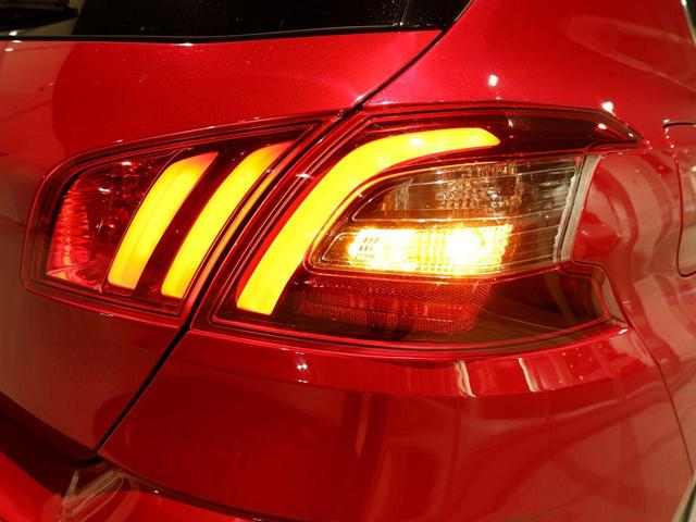 ロードトリップ ブルーHDi 8AT 特別仕様車(専用シート 専用バッジ 専用タグ パークアシスト)(40枚目)