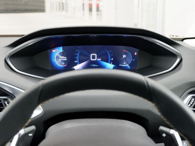 ロードトリップ 8AT 特別仕様車(専用シート・バッジ・タグ・パークアシスト)(17枚目)