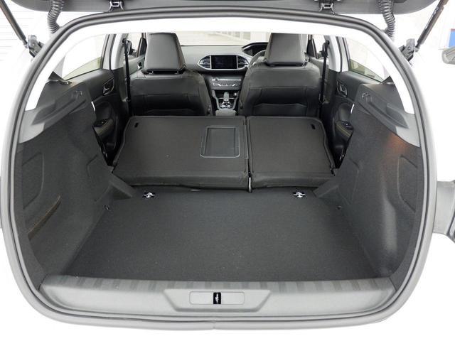 ロードトリップ 8AT 特別仕様車(専用シート・バッジ・タグ・パークアシスト)(45枚目)