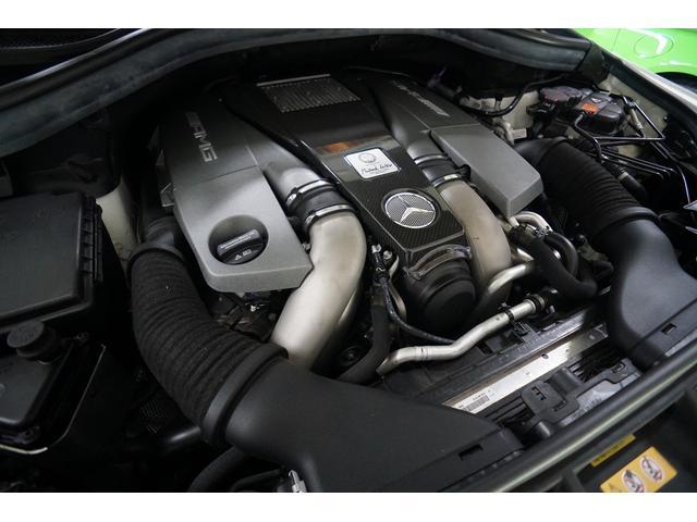 5.5L V8 ツインターボ 585PS AMGカーボンエンジンフード