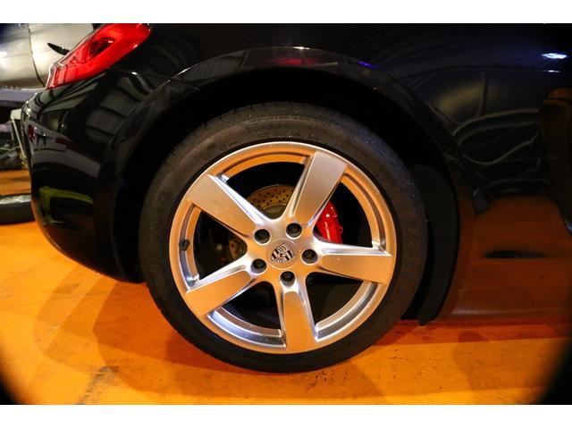 当社は、新車、中古車注文販売、整備、車検、修理板金、塗装、買い取り、ボディーコーティング施工、各種ドレスアップパーツ販売・取付に至るまで、幅広く行っています。
