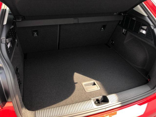 30TFSIスポーツ アシスタンスパッケージ オートマチックテールゲート アウディプレセンスベーシック ナビゲーションパッケージ 8スピーカー Audi connect(10枚目)