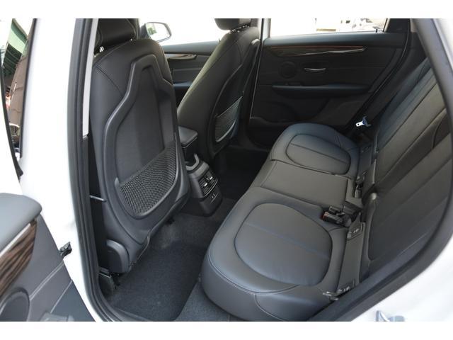 218d xDrive Luxury 弊社デモカー 黒革(14枚目)
