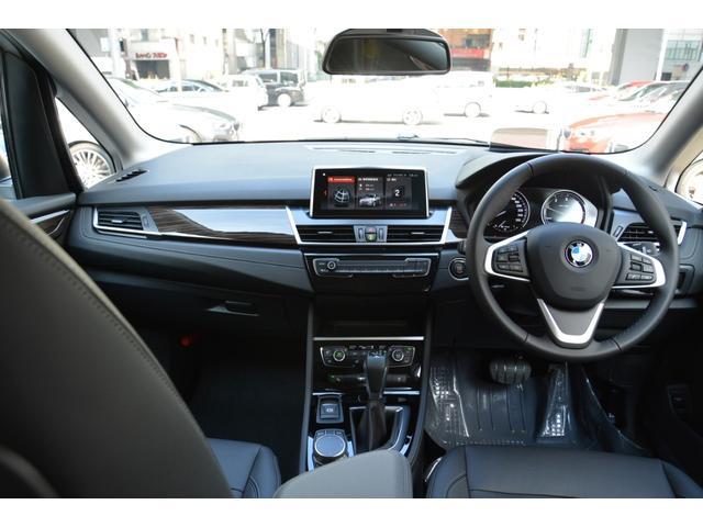218d xDrive Luxury 弊社デモカー 黒革(15枚目)