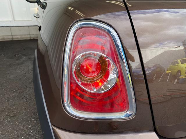 クーパー R56後期モデル プッシュスタート 後期ビックバンパー ステアリングスイッチ パドルシフト HID 本革ステアリング 社外MINI15インチアルミホイール ETC 無事故車 禁煙車 正規ディーラー車(25枚目)