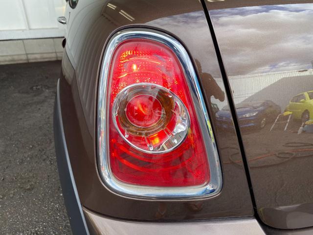 クーパー R56後期モデル プッシュスタート 後期ビックバンパー ステアリングスイッチ パドルシフト HID 本革ステアリング 社外MINI15インチアルミホイール ETC 無事故車 禁煙車 正規ディーラー車(26枚目)