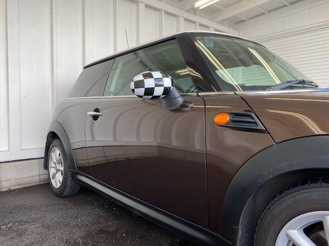 クーパー R56後期モデル プッシュスタート 後期ビックバンパー ステアリングスイッチ パドルシフト HID 本革ステアリング 社外MINI15インチアルミホイール ETC 無事故車 禁煙車 正規ディーラー車(29枚目)