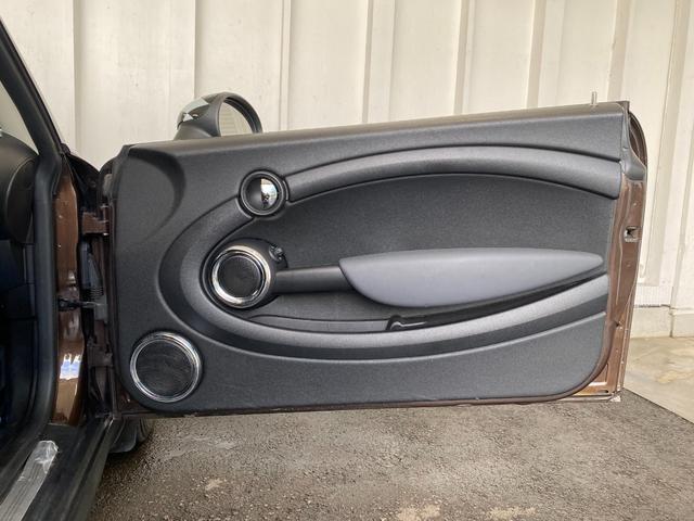 クーパー R56後期モデル プッシュスタート 後期ビックバンパー ステアリングスイッチ パドルシフト HID 本革ステアリング 社外MINI15インチアルミホイール ETC 無事故車 禁煙車 正規ディーラー車(32枚目)
