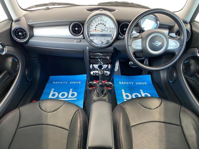 クーパーS クラブマン R55クーパーSプッシュスタート レザーシートカバー HDDナビ&TV ドライブレコーダー OZ17インチアルミホイール ユニオンジャックボンネットストライプ&ミラー 禁煙車 正規ディーラー車(2枚目)