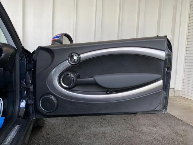 クーパーS クラブマン R55クーパーSプッシュスタート レザーシートカバー HDDナビ&TV ドライブレコーダー OZ17インチアルミホイール ユニオンジャックボンネットストライプ&ミラー 禁煙車 正規ディーラー車(34枚目)