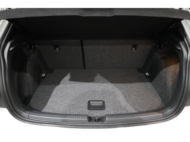 ベースグレード NAVI ETC カメラ ACC ブラインドスポッティング LEDヘッドライト 17インチアルミ 2000CCターボ 禁煙車(31枚目)