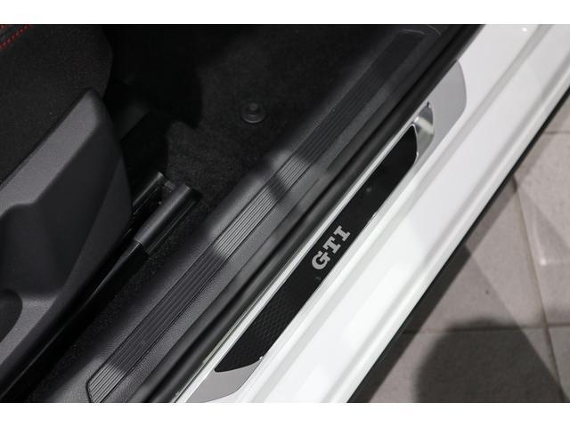 ベースグレード NAVI ETC カメラ ACC ブラインドスポッティング LEDヘッドライト 17インチアルミ 2000CCターボ 禁煙車(42枚目)