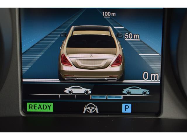 【ディストロニック・プラス】先行車をセンサーで感知し速度に応じた車間距離を維持しながら追従走行が出来ます。運転の疲労軽減だけで無く衝突防止の安全性も高くなります