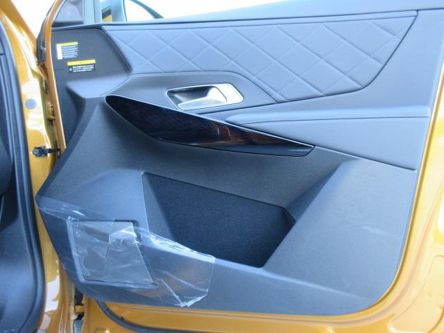 ドア内張り運転席側:気になるキズ汚れは発見できませんでした。