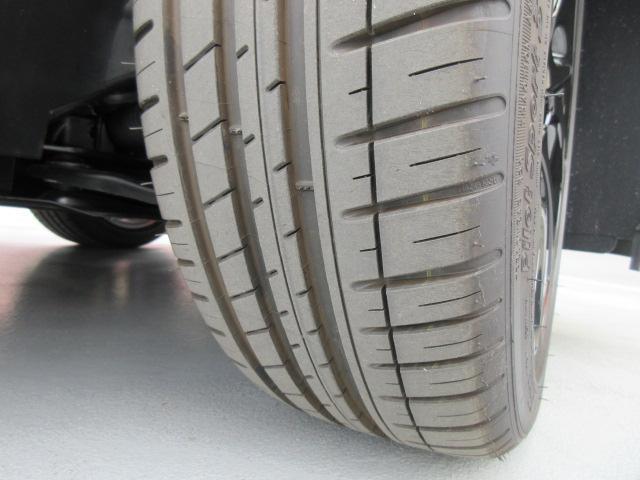 Fタイヤ:中程度の残溝です。