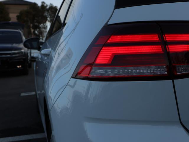 LEDテールランプは後続車への視認性も高く安全に寄与します。