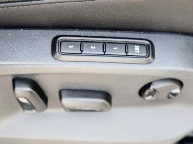 TDI 4モーション ハイライン Leather seat シートヒーター 電動シート デジタル液晶メーター ヘッドアップディスプレイ 360度カメラ(37枚目)