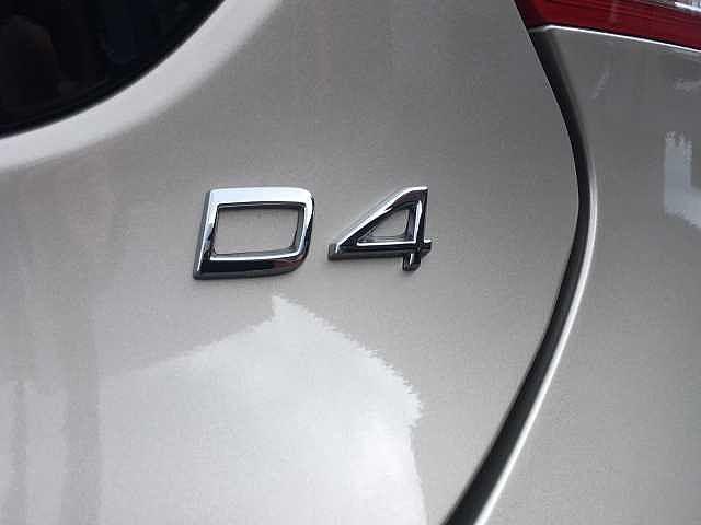 D4 ダイナミックエディション 18インチアルミホイール(9枚目)