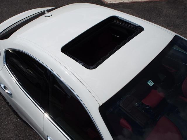 ベースグレード 左ハンドル 後期型ナビ 禁煙車 赤色レザーシート 電動サンルーフ 純正プロテオ19インチアルミホイール ツーリングPKG 地デジTV パドルシフト バックカメラ ETC 赤色キャリパー 正規ディーラ車(11枚目)