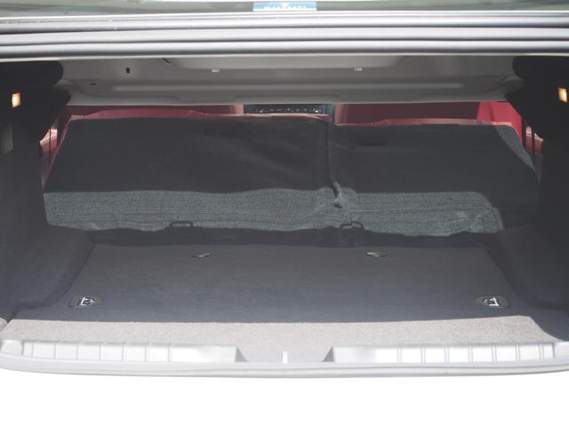 ベースグレード 左ハンドル 後期型ナビ 禁煙車 赤色レザーシート 電動サンルーフ 純正プロテオ19インチアルミホイール ツーリングPKG 地デジTV パドルシフト バックカメラ ETC 赤色キャリパー 正規ディーラ車(31枚目)