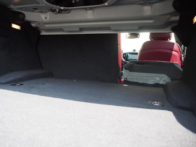 ベースグレード 左ハンドル 後期型ナビ 禁煙車 赤色レザーシート 電動サンルーフ 純正プロテオ19インチアルミホイール ツーリングPKG 地デジTV パドルシフト バックカメラ ETC 赤色キャリパー 正規ディーラ車(32枚目)