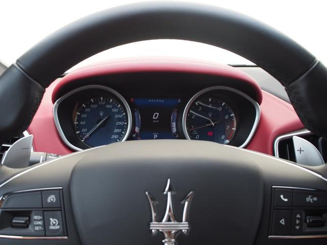 ベースグレード 左ハンドル 後期型ナビ 禁煙車 赤色レザーシート 電動サンルーフ 純正プロテオ19インチアルミホイール ツーリングPKG 地デジTV パドルシフト バックカメラ ETC 赤色キャリパー 正規ディーラ車(49枚目)