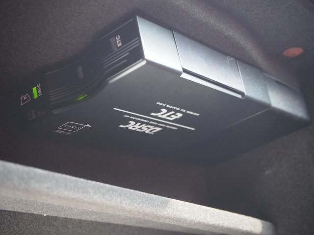 ベースグレード 左ハンドル 後期型ナビ 禁煙車 赤色レザーシート 電動サンルーフ 純正プロテオ19インチアルミホイール ツーリングPKG 地デジTV パドルシフト バックカメラ ETC 赤色キャリパー 正規ディーラ車(50枚目)