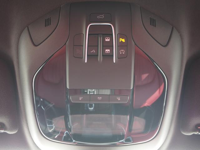 ベースグレード 左ハンドル 後期型ナビ 禁煙車 赤色レザーシート 電動サンルーフ 純正プロテオ19インチアルミホイール ツーリングPKG 地デジTV パドルシフト バックカメラ ETC 赤色キャリパー 正規ディーラ車(56枚目)