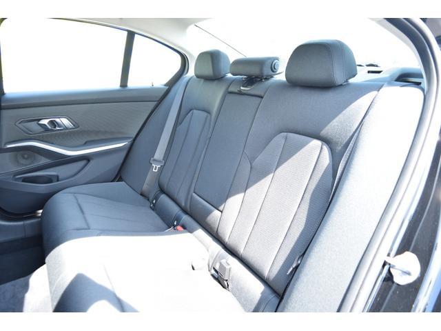 320d xDrive 認定中古車全国2年保証付 ガラススライディングルーフ プラスパッケージ コンフォートパッケージ レンタカーアップ車両(28枚目)