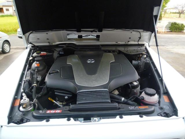 V型6気筒BlueTECエンジン、245psターボ車、前Gクラスより心地よい走りです!
