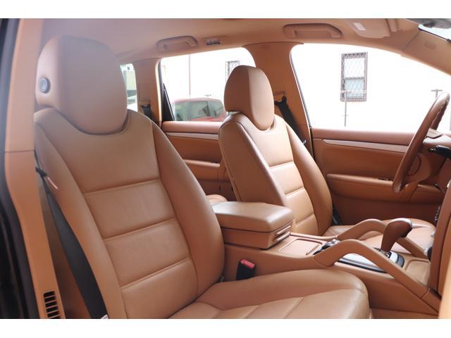 ベースグレード MANSORYフェイス ティプトロニックS 4WD サンルーフ バックカメラ キーレスエントリー オートライト 衝突安全ボディ(17枚目)