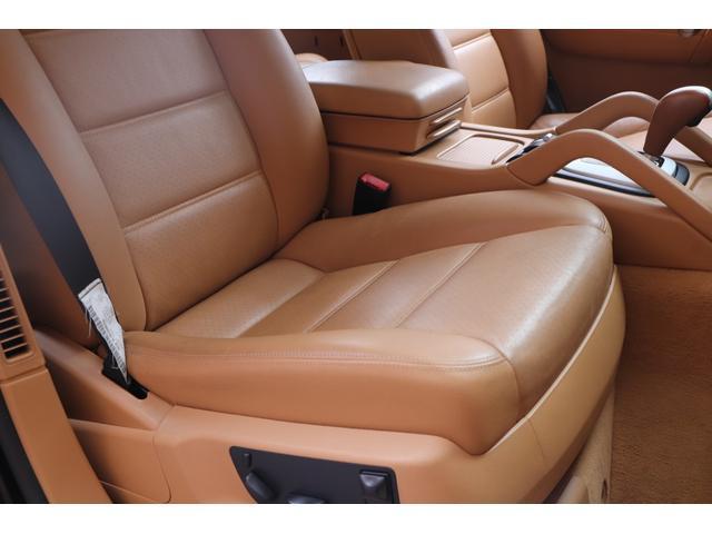 ベースグレード MANSORYフェイス ティプトロニックS 4WD サンルーフ バックカメラ キーレスエントリー オートライト 衝突安全ボディ(18枚目)