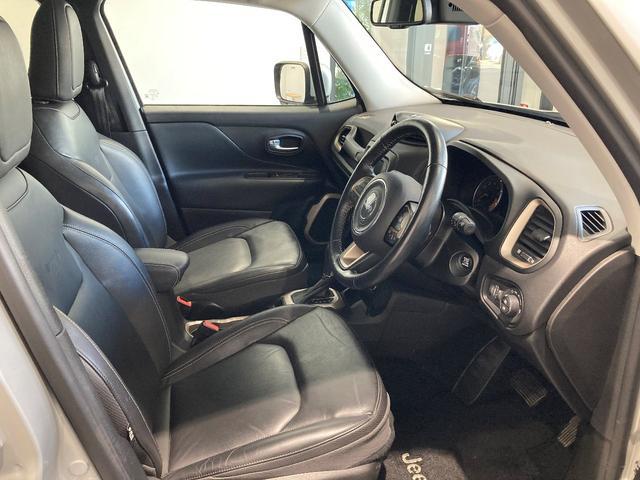 リミテッド 認定中古車保証付き 整備付き メイクマイジープ限定カラー レザーシート シートヒーター バックカメラ ブラックルーフ(3枚目)