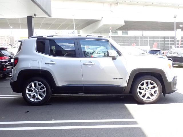 リミテッド 認定中古車保証付き 整備付き メイクマイジープ限定カラー レザーシート シートヒーター バックカメラ ブラックルーフ(9枚目)
