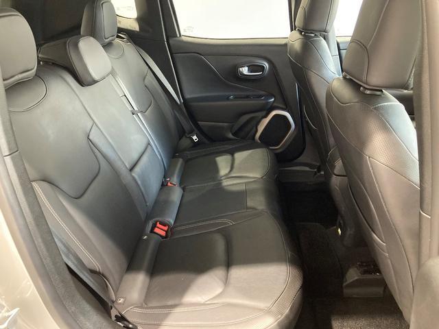 リミテッド 認定中古車保証付き 整備付き メイクマイジープ限定カラー レザーシート シートヒーター バックカメラ ブラックルーフ(12枚目)