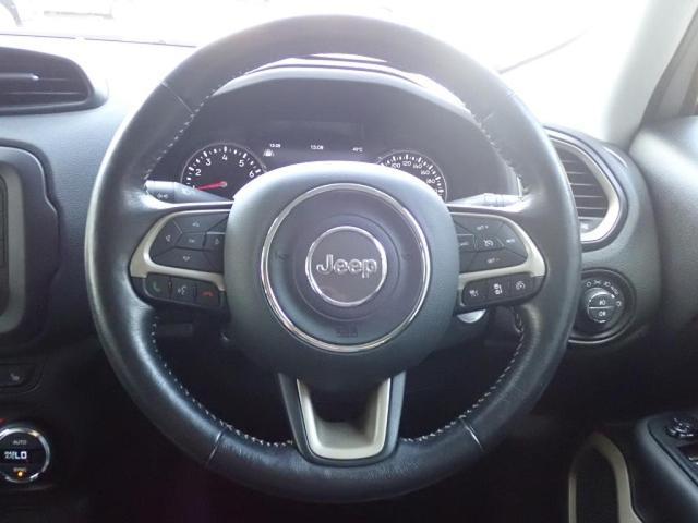 リミテッド 認定中古車保証付き 整備付き メイクマイジープ限定カラー レザーシート シートヒーター バックカメラ ブラックルーフ(16枚目)