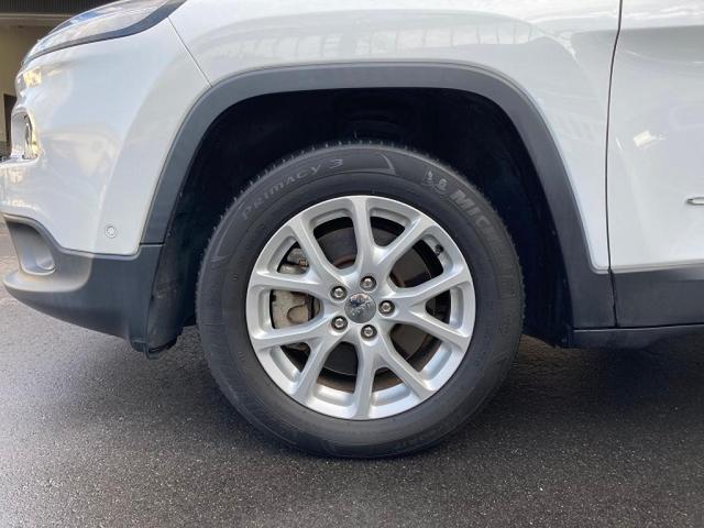 ロンジチュード 認定中古車保証 整備付き 4WD 純正8.4インチナビ バックカメラ ETC ファブリックシート 電動リアゲート ルーフレール(8枚目)