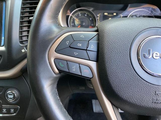 ロンジチュード 認定中古車保証 整備付き 4WD 純正8.4インチナビ バックカメラ ETC ファブリックシート 電動リアゲート ルーフレール(12枚目)