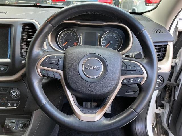 ロンジチュード 認定中古車保証 整備付き 4WD 純正8.4インチナビ バックカメラ ETC ファブリックシート 電動リアゲート ルーフレール(13枚目)