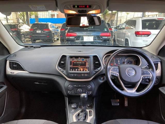 ロンジチュード 認定中古車保証 整備付き 4WD 純正8.4インチナビ バックカメラ ETC ファブリックシート 電動リアゲート ルーフレール(20枚目)