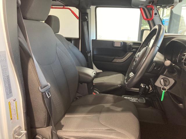 スポーツ 認定中古車保証 整備付 ナビ バックカメラ ETC車載器 社外グラブハンドル ファブリックシート 純正アルミホイール(4枚目)
