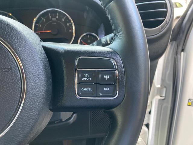 スポーツ 認定中古車保証 整備付 ナビ バックカメラ ETC車載器 社外グラブハンドル ファブリックシート 純正アルミホイール(12枚目)